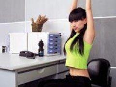 OL必学15分钟办公室健身操