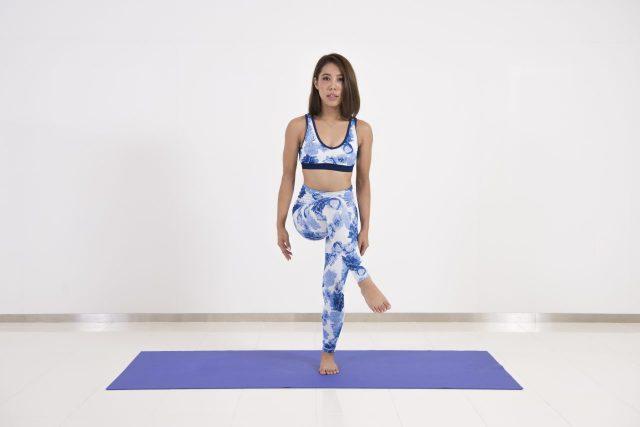 瘦腿、提臀的拉伸运动,每天五分钟告别大象腿