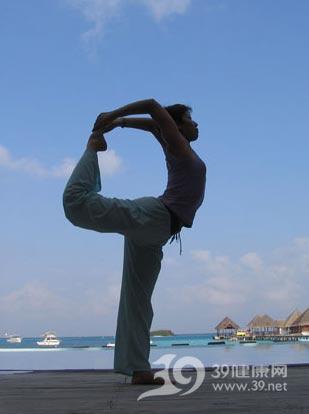 瑜伽瘦身6式修出苗条身材