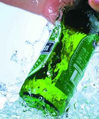 冰凉饮料易导致突发性痉挛