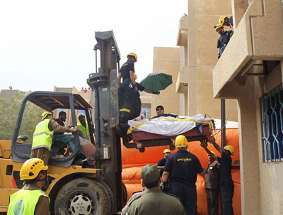 沙特610公斤男子_沙特男子重1220斤用起重机送其就医-减肥ing网
