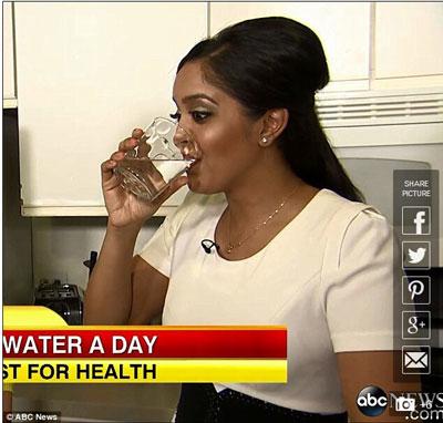 每天8杯水坚持一周养颜又减肥